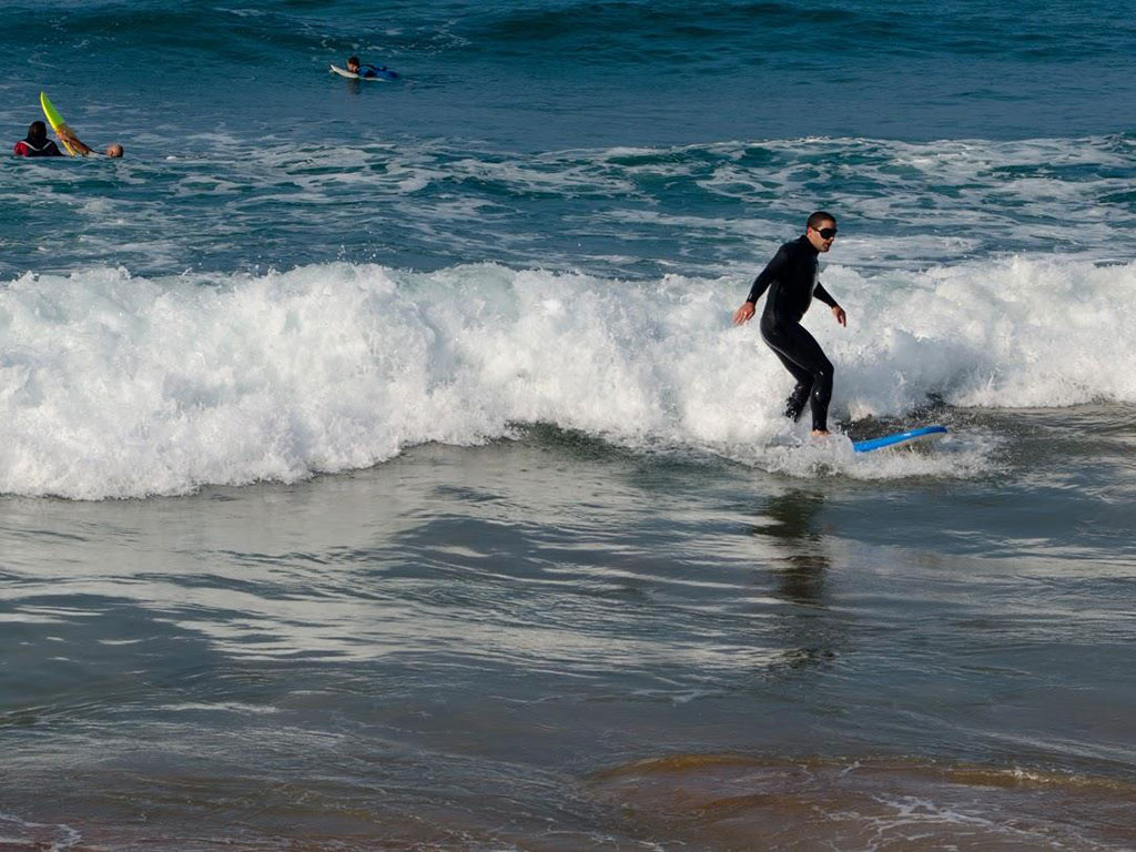 blind surf session in Zarautz organised by Cross Culture Surf